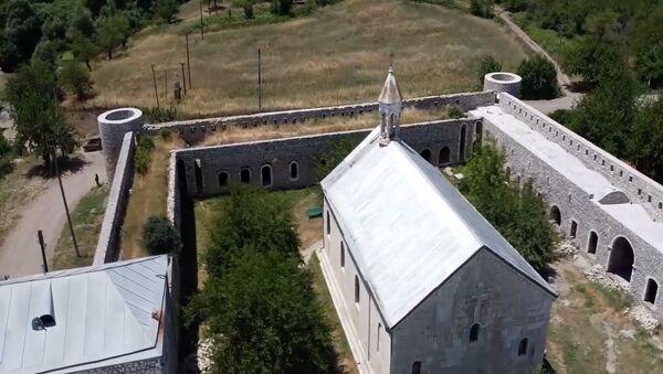 Российские миротворцы сопроводили 150 паломников и жителей Нагорного Карабаха при посещении христианских монастырей Амарас и Ганзасар - Sputnik Արմենիա