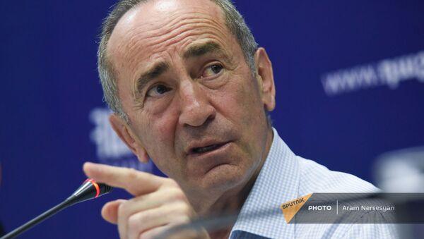 Роберт Кочарян на пресс-конференции лидеров блока Айастан (22 июня 2021). Еревaн - Sputnik Армения
