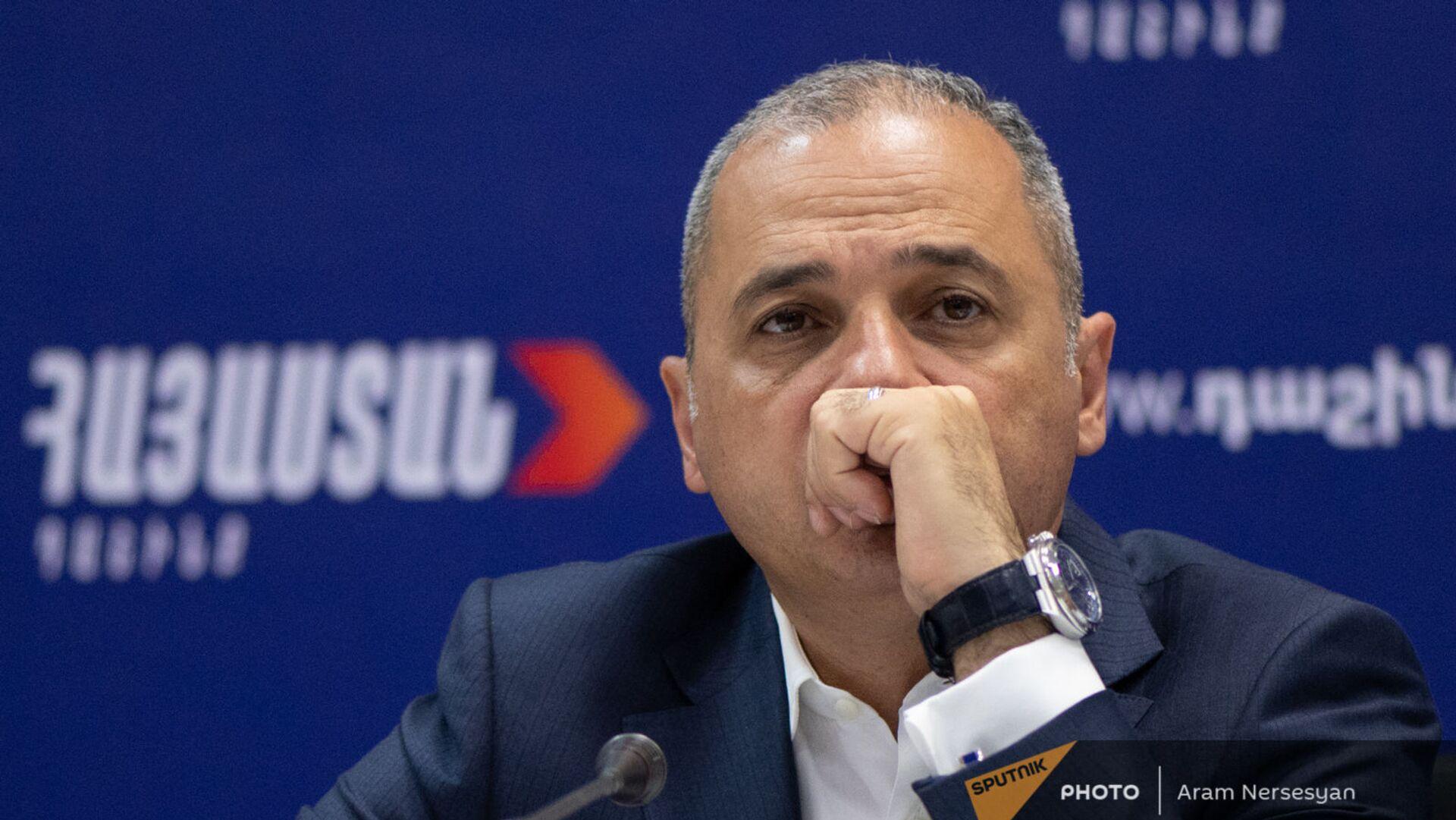 Ваге Акопян на пресс-конференции лидеров блока Айастан (22 июня 2021). Еревaн - Sputnik Армения, 1920, 08.07.2021