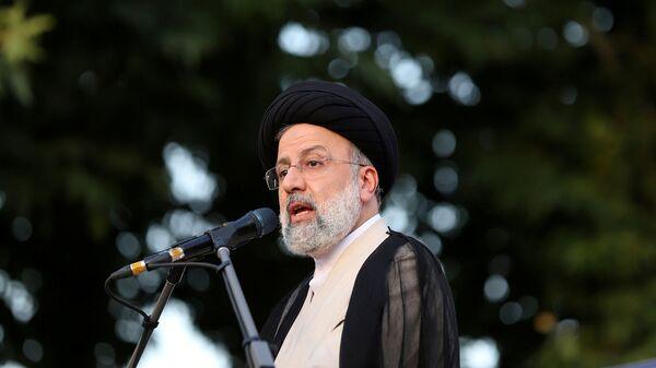 Ибрахим Раиси выступает во время предвыборного митинга (15 июня 2021). Тегеран - Sputnik Армения