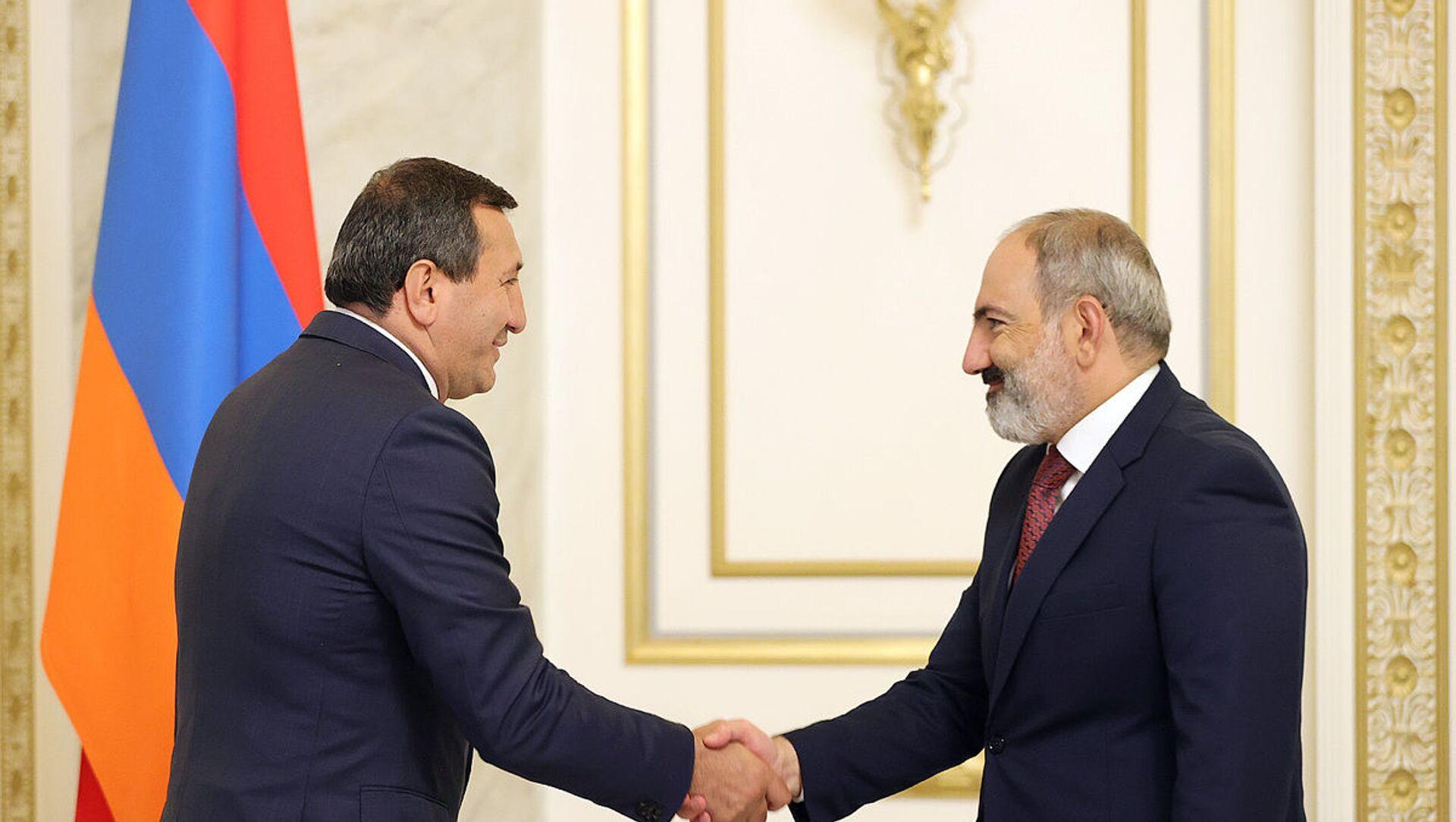 И.о. премьер-министра Никол Пашинян встретился с Тиграном Арзаканцяном в рамках политических консультаций с внепарламентскими политическими силами (23 июня 2021). Еревaн - Sputnik Արմենիա, 1920, 23.06.2021