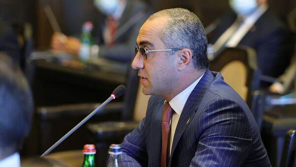 Глава КГД Эдвард Ованнисян на очередном заседании правительства (24 июня 2021). Еревaн - Sputnik Армения