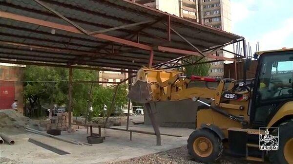 Демонтаж незаконных построек в Ереване - Sputnik Армения