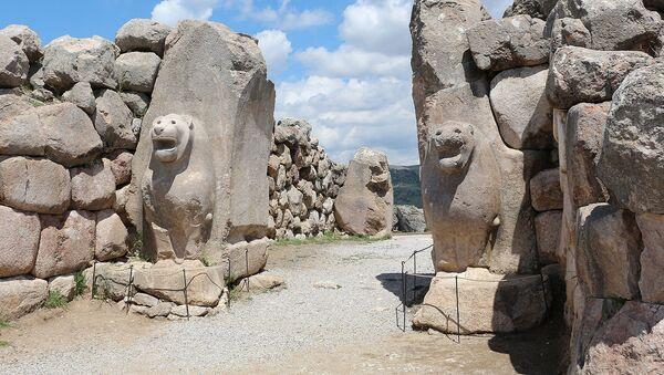 Львиные ворота у входа в столицу древнего Хеттского царства - Хаттусу - Sputnik Արմենիա