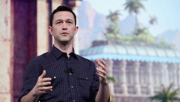 Актер и создатель HitRecord Джозеф Гордон-Левитт рассказывает об игре По ту сторону добра и зла 2 во время конференции Ubisoft E3 (11 июня 2018). Лос-Анджелес - Sputnik Արմենիա