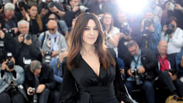 Актриса Моника Беллуччи на 72-м международном кинофестивале (19 мая 2019). Канны - Sputnik Արմենիա