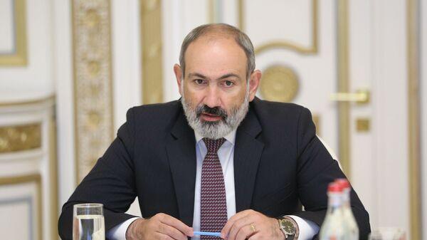 И.о. премьер-министра Никол Пашинян на совещании по вопросам текущего состояния государственного бюджета (30 июня 2021). Еревaн - Sputnik Армения