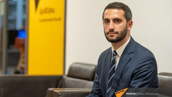 Председатель Комиссии по внешним связям НС Армении Рубен Рубинян в гостях радио Sputnik - Sputnik Армения