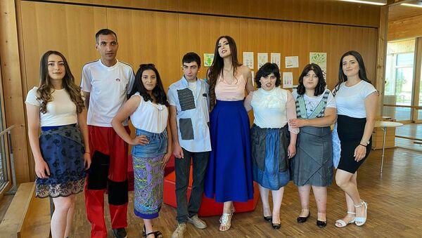Участники дефиле для людей с ограниченными возможностями - Sputnik Армения