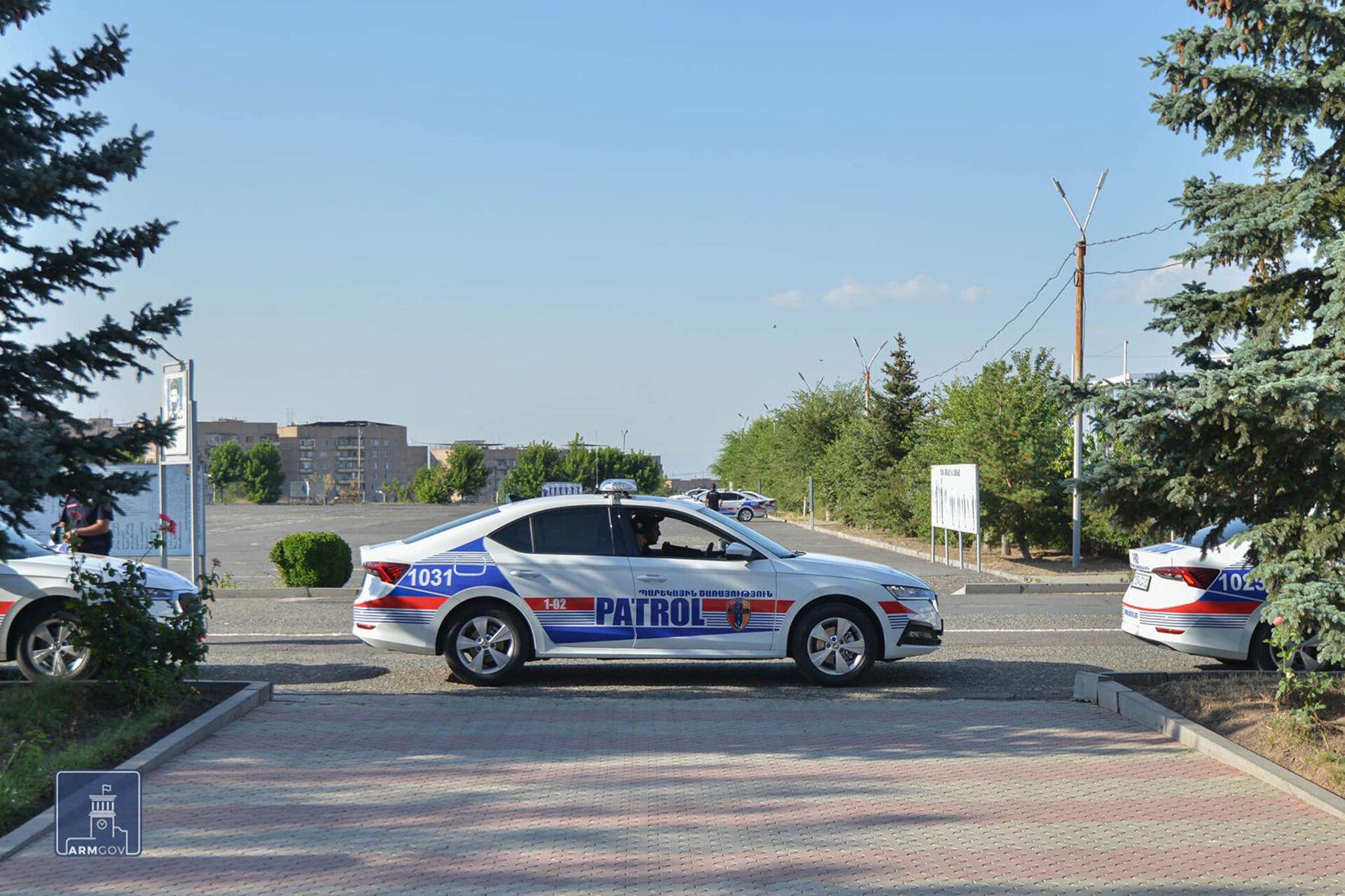 Դիմավորեք. Երևանում ծառայության են դուրս եկել պարեկային ոստիկանության ծառայողները - Sputnik Արմենիա, 1920, 07.07.2021