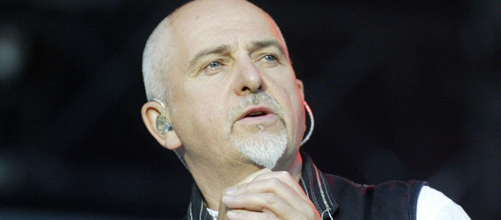 Британский певец Питер Гэбриэл на сцене  - Sputnik Армения, 1920, 07.07.2021