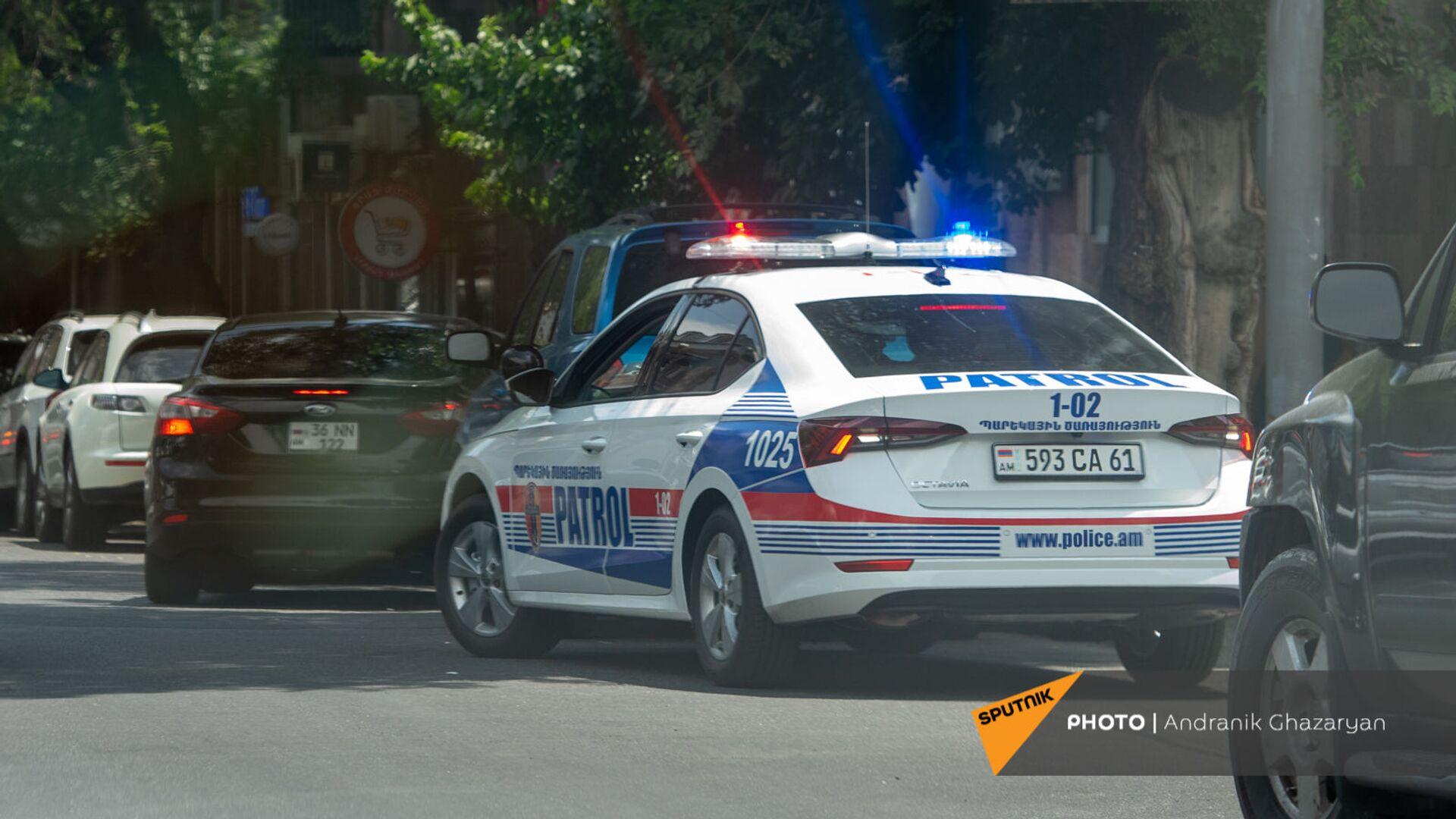 Автомобиль новой патрульной службы в Ереване - Sputnik Արմենիա, 1920, 31.07.2021