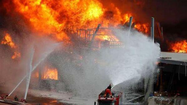 Катастрофа в ОАЭ! Взрыв и большой пожар в порту Дубая !! - Sputnik Արմենիա