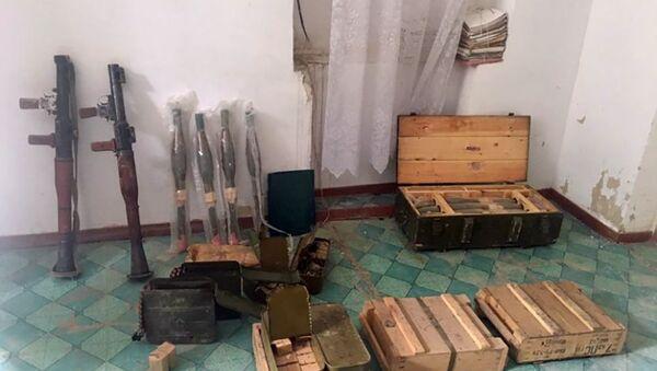 Обнаруженное оружие в доме главы общины Воротан - Sputnik Արմենիա