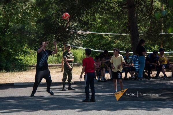 Հանգստի ժամերը ռազմամարզական ճամբարում - Sputnik Արմենիա