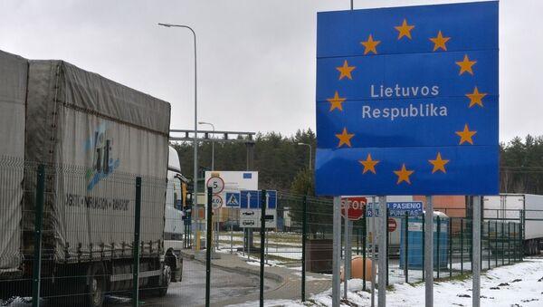 Фуры с российскими номерами скопились на белорусско-литовской границе - Sputnik Армения
