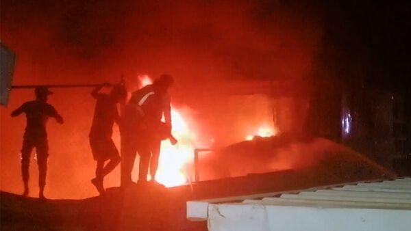 Пожар в больнице для коронавирусных больных в Ираке - Sputnik Армения