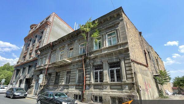 Старое здание на снос на улице Анрапетутян - Sputnik Армения