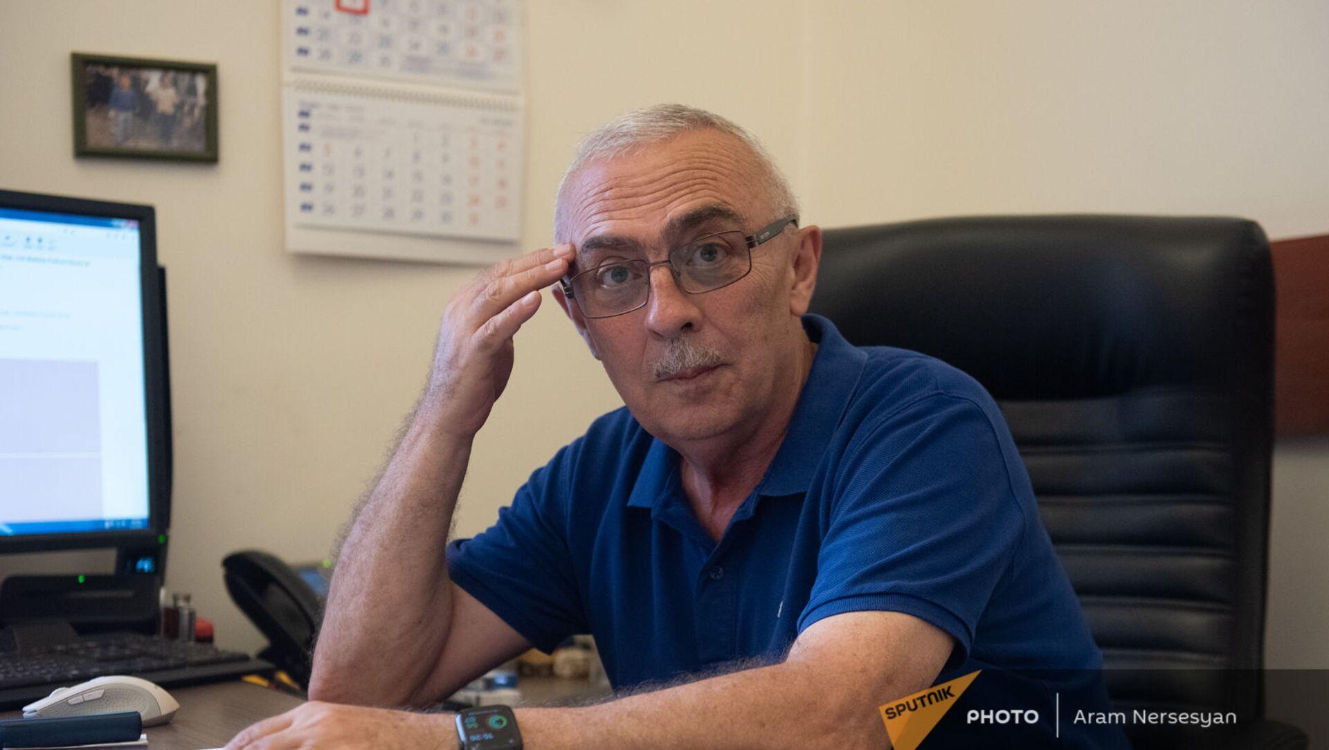 Начальник департамента по управлению госдолгом Минфина Армении Аршалуйс Маркарян - Sputnik Армения, 1920, 13.07.2021