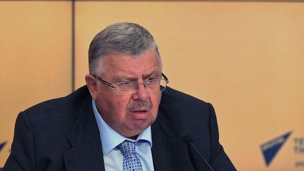 Андрей Бельянинов во время видеомоста Москва – Минск – Ереван – Нур-Султан  - Sputnik Армения