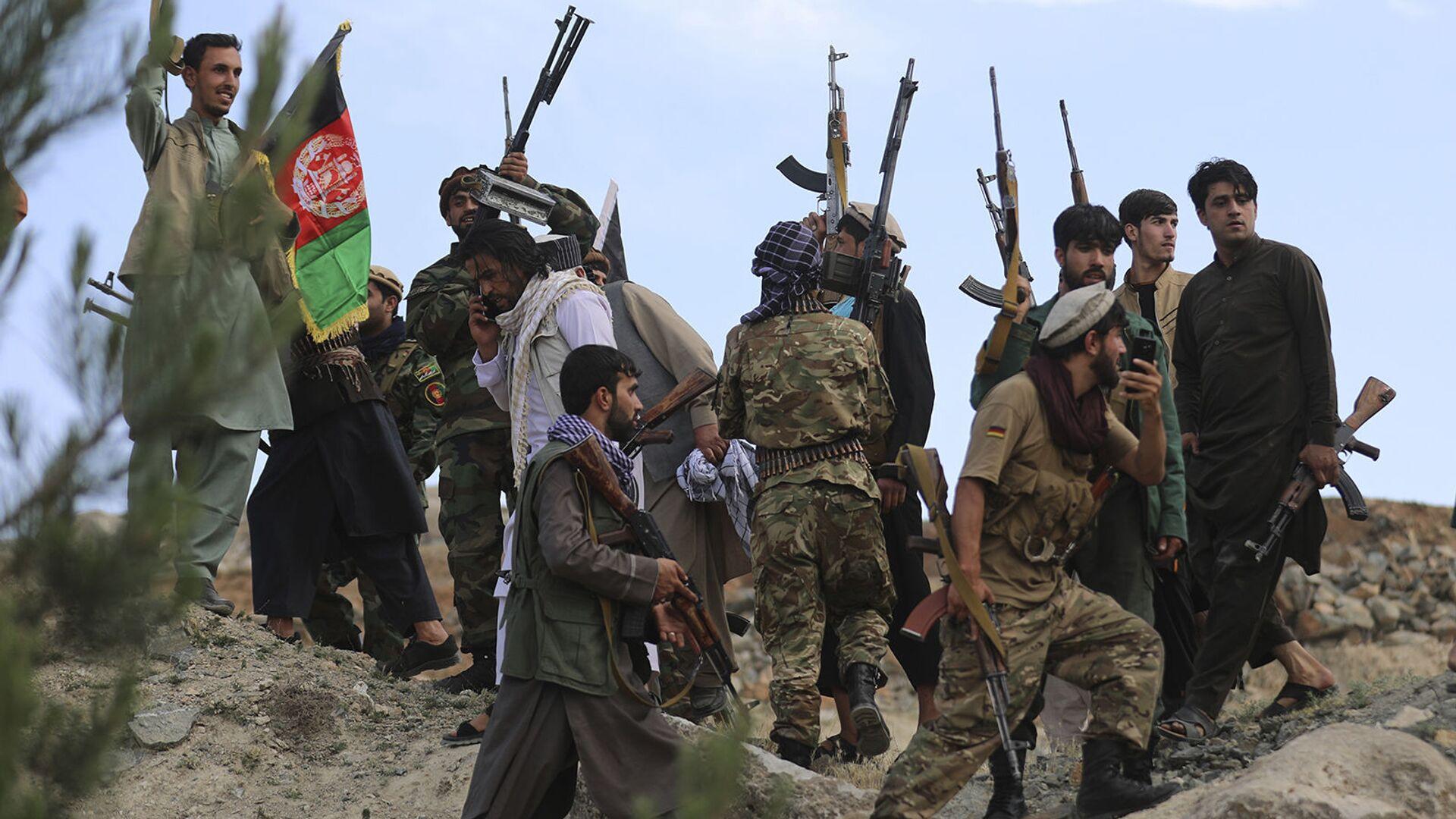 Афганские ополченцы присоединяются к силам обороны и безопасности Афганистана во время собрания в Кабуле (23 июня 2021). Афганистан - Sputnik Արմենիա, 1920, 11.08.2021