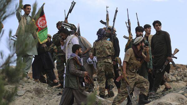 Афганские ополченцы присоединяются к силам обороны и безопасности Афганистана во время собрания в Кабуле (23 июня 2021). Афганистан - Sputnik Արմենիա