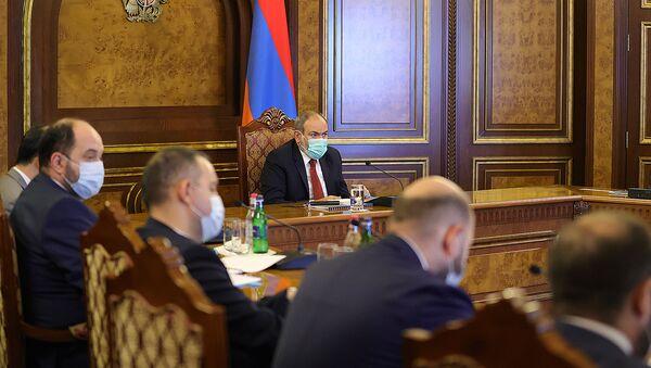 И.о. премьер-министра Никол Пашинян провел заседание в правительстве на тему деятельности Фонда государственного интереса Армении (ANIF) (16 июля 2021). Еревaн - Sputnik Արմենիա
