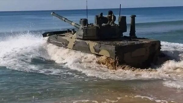 Кадры испытаний плавающего танка Спрут-СДМ1 в Черном море - Sputnik Армения
