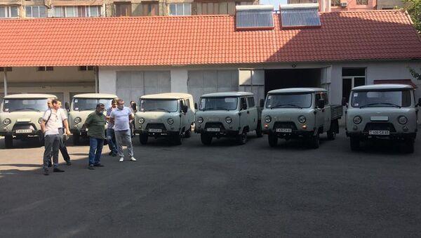 ЮКЖД закупил 6 новых  автомобилей УАЗ  высокой проходимости на линейные участки Ереван, Ванадзор, а так же на путевую механизированную станцию Масис, - Sputnik Армения