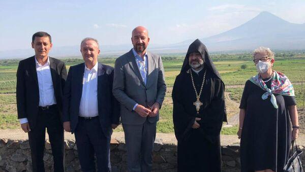 Председатель Европейского совета Шарль Мишель посетил Хор Вирап - Sputnik Армения