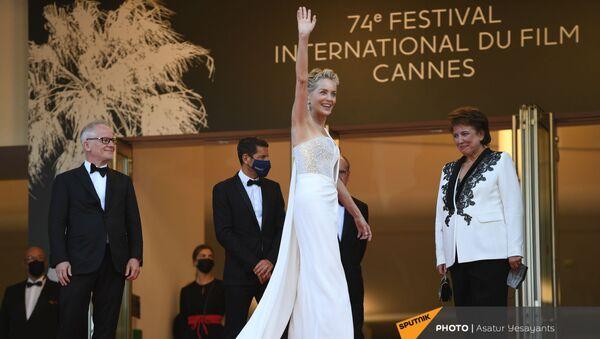 Шэрон Стоун во время церемонии закрытия и показа фильма OSS 117: Alerte Rouge en Afrique Noire вне конкурса - Sputnik Армения