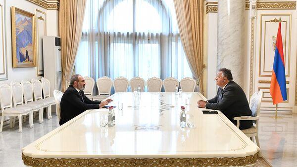 И.о. премьер-министра Никол Пашинян встретился с Нубаром Афеяном (18 июля 2021). Еревaн - Sputnik Армения