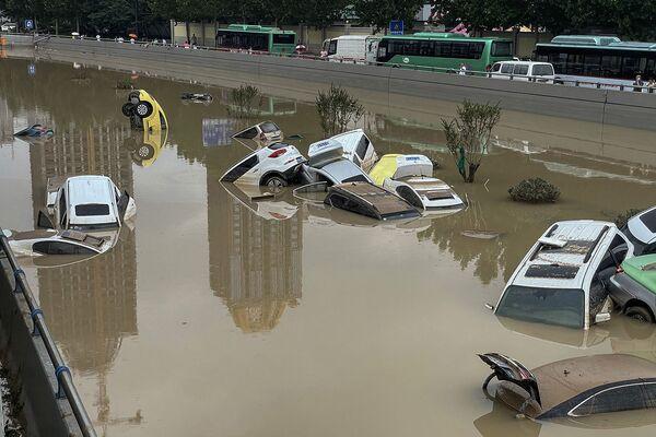 Չժենչժոու քաղաքի հեղեղված փողոցները (2021 թվականի հուլիսի 20), Չինաստան - Sputnik Արմենիա