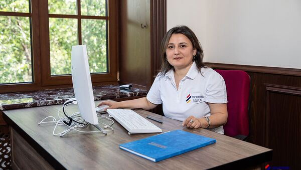 Координатор образовательных программ Одного окна дома солдата Нуне Балян - Sputnik Արմենիա