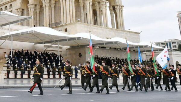 Генерал-лейтенант Керим Велиев на параде в Баку - Sputnik Արմենիա