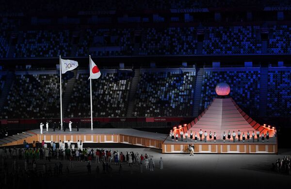 Օլիմպիական դրոշի բարձրացումը խաղերի բացման արարողության ժամանակ - Sputnik Արմենիա