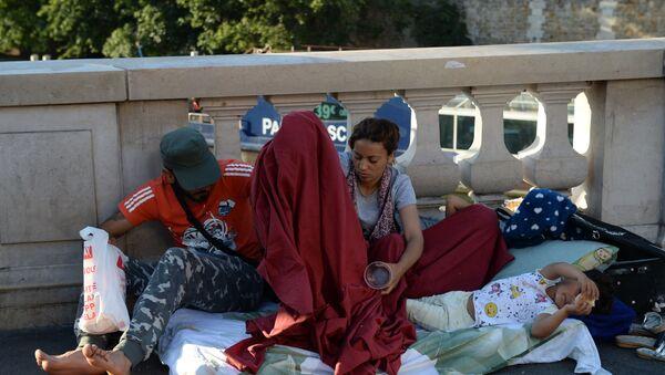 Мигранты во Франции - Sputnik Армения