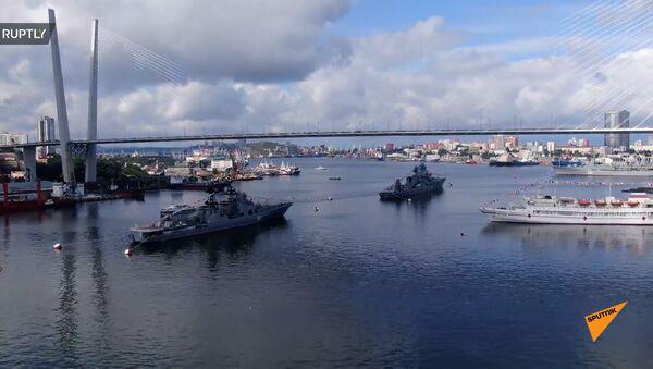Парады в честь Дня ВМФ прошли во Владивостоке и Севастополе - Sputnik Армения