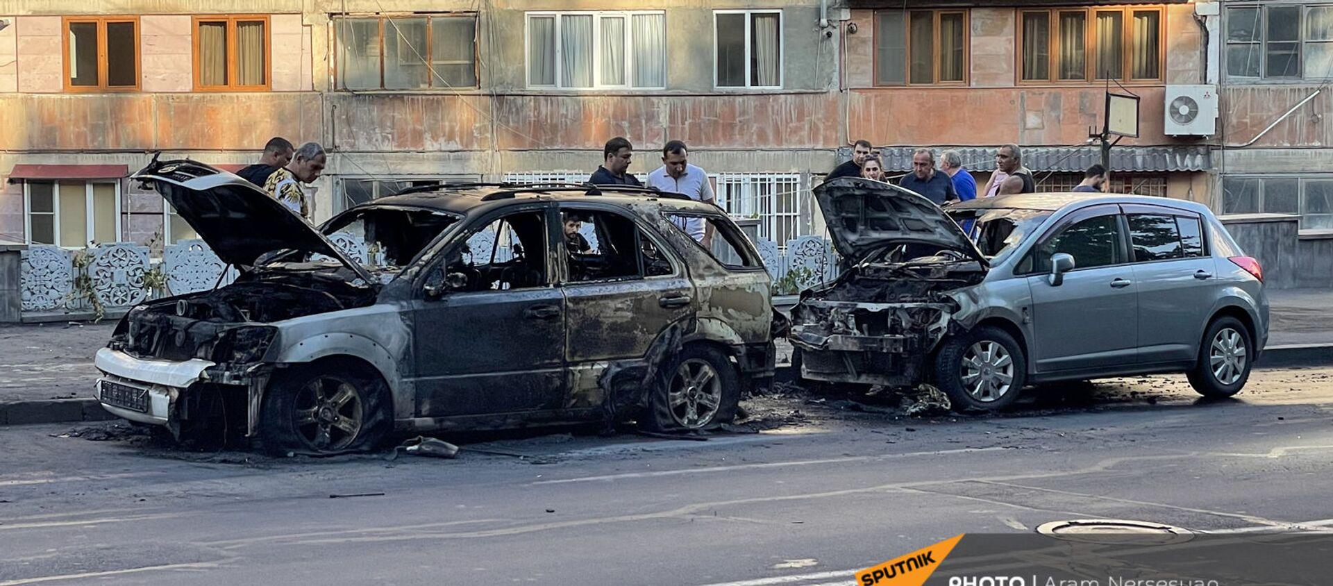 Сгоревшие машины на улице Сарьяна - Sputnik Արմենիա, 1920, 26.07.2021