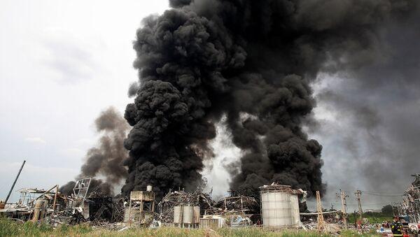 Дым после взрыва  - Sputnik Армения