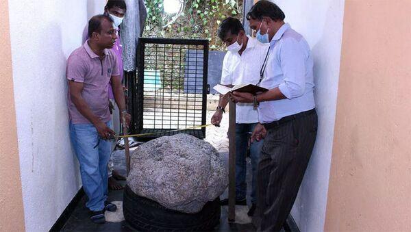 Самый большой в мире звездчатый сапфир весом 510 килограммов, найденный на Шри-Ланке - Sputnik Армения