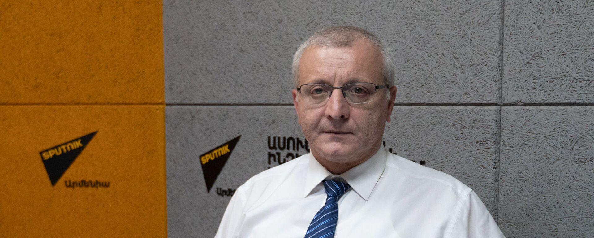 Политолог Сурен Суренянц в гостях радио Sputnik - Sputnik Արմենիա, 1920, 22.08.2021