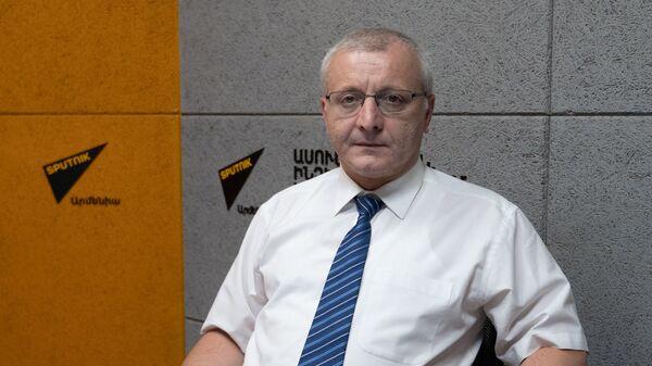 Политолог Сурен Суренянц в гостях радио Sputnik - Sputnik Армения