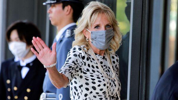 Первая леди США Джилл Байден прибывает в Императорский дворец на встречу с императором Японии Нарухито в Токио (23 июля 2021). Япония - Sputnik Армения