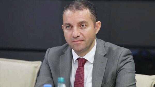 И. о. министра экономики Армении Ваан Керобян встретился с министром финансов Грузии Лашей Хуцишвили (29 июля 2021). Тбилиси - Sputnik Армения