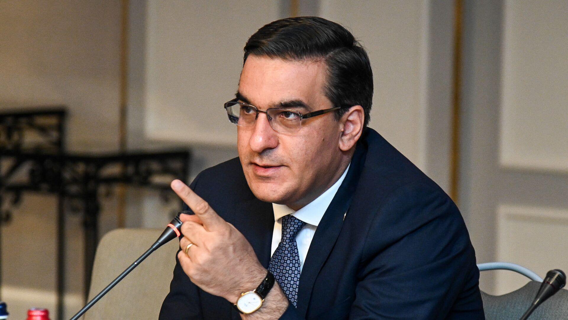 Омбудсмен Арман Татоян представил действующим в РА международным структурам нарушения прав жителей приграничья  - Sputnik Армения, 1920, 30.07.2021