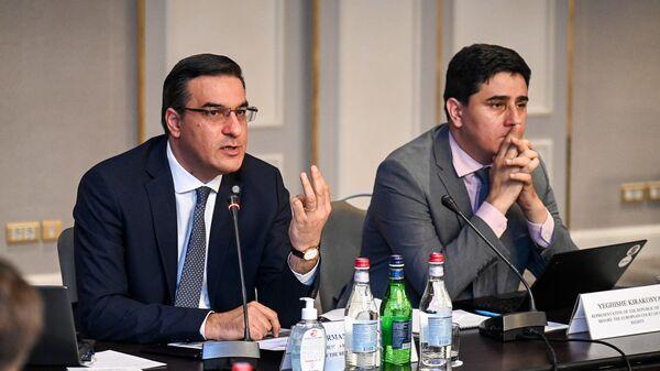 Омбудсмен Арман Татоян представил действующим в РА международным структурам нарушения прав жителей приграничья  - Sputnik Армения
