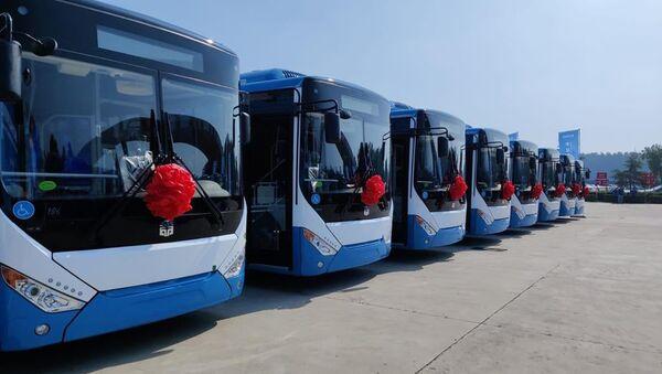 Торжественная церемония отправки новых автобусов для Еревана с завода в Китае - Sputnik Արմենիա