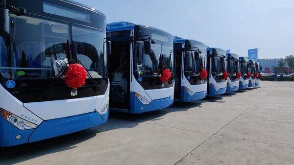Торжественная церемония отправки новых автобусов для Еревана с завода в Китае - Sputnik Армения