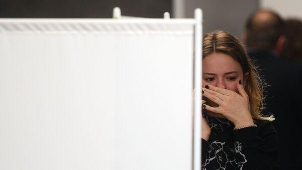 Девушка возле комнаты психологической помощи - Sputnik Արմենիա